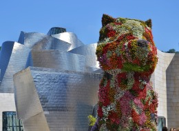 Museo_Guggenheim_Bilbao,_Bilbao._(23811575352